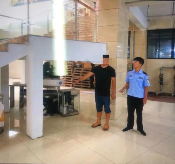 江西一男子贪念盗窃制冰机,被警方查获